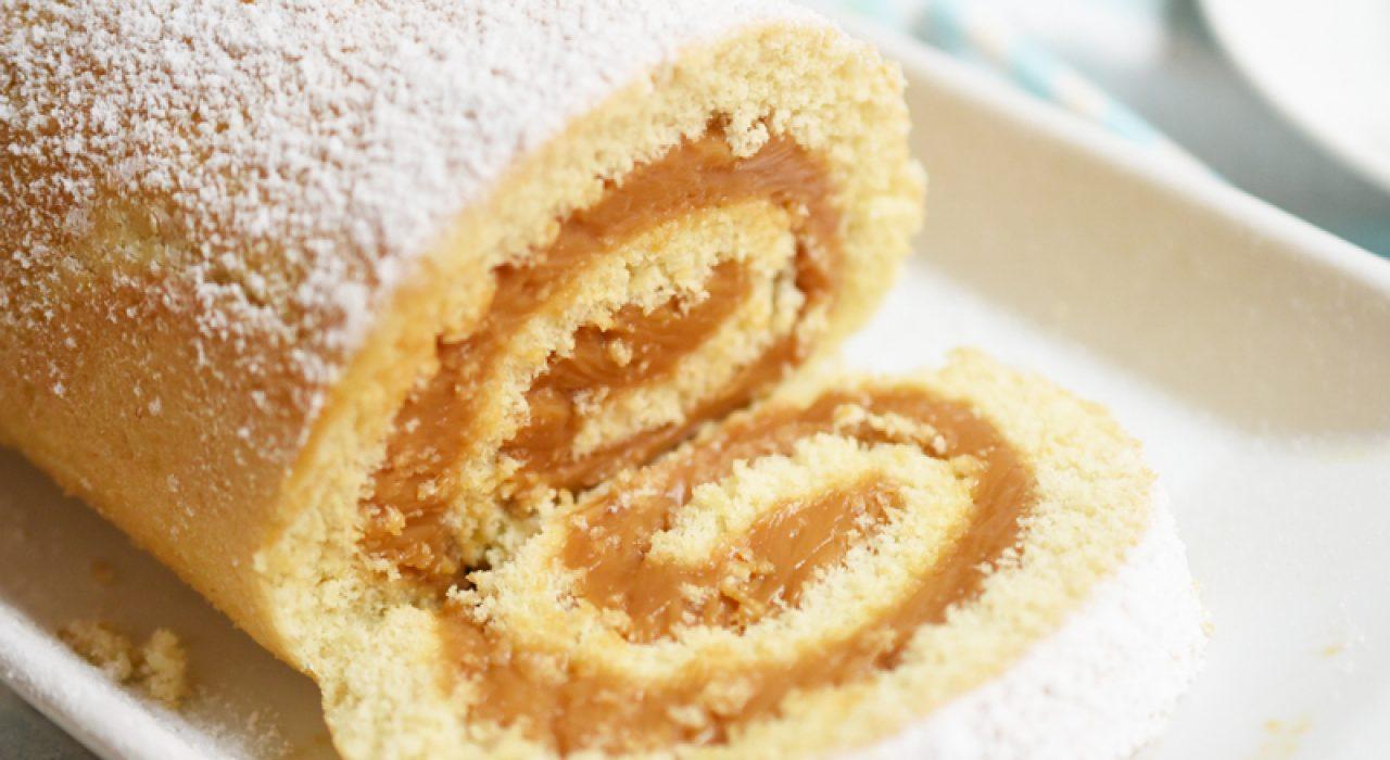 Brazo gitano (o cake roll) relleno de dulce de leche