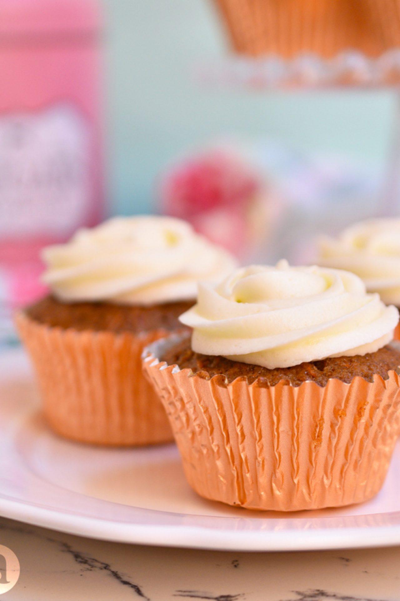 La mejor receta de cupcakes de zanahoria con buttercream de queso crema