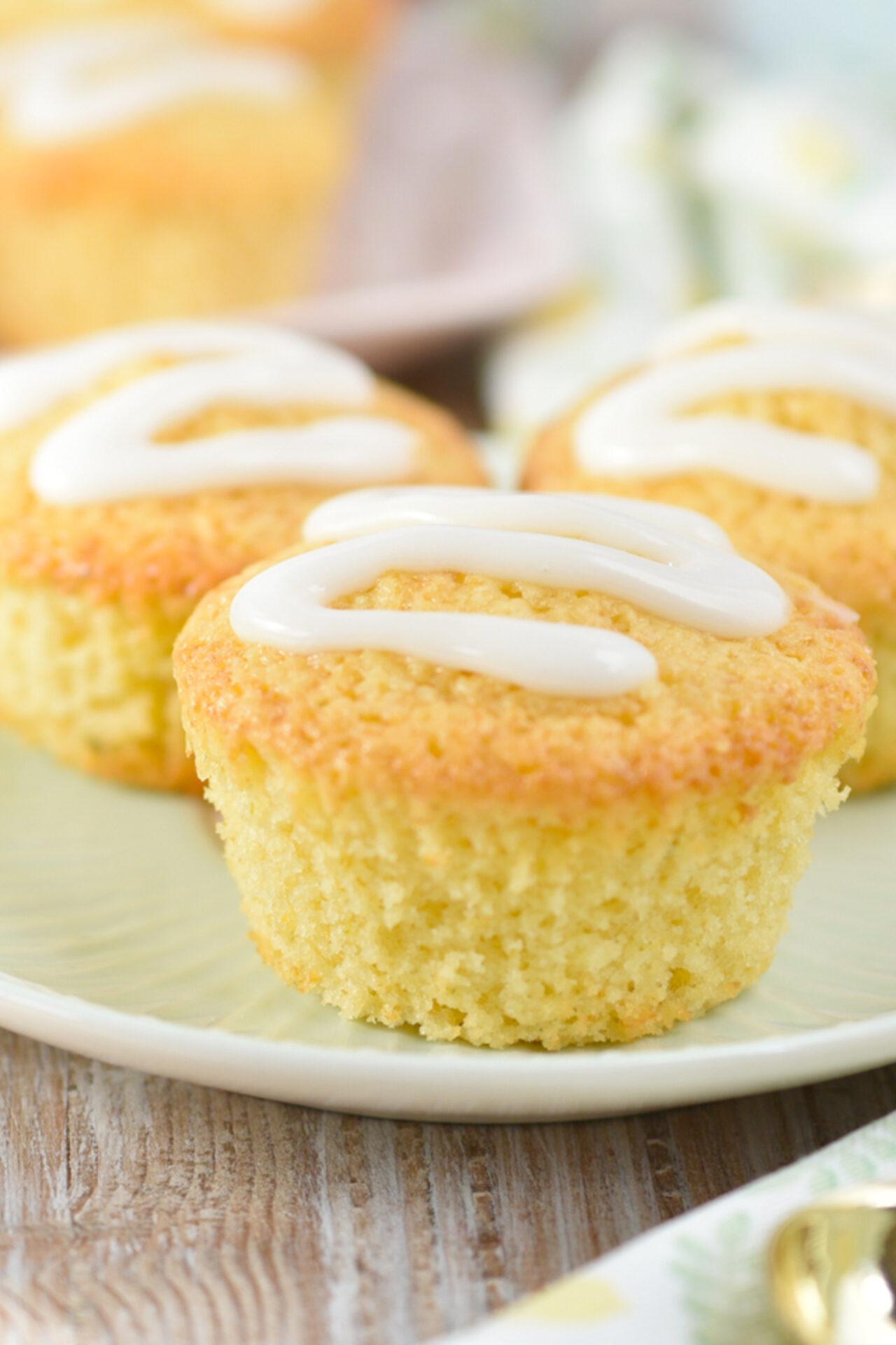 Muffins de limón con glaseado de limón