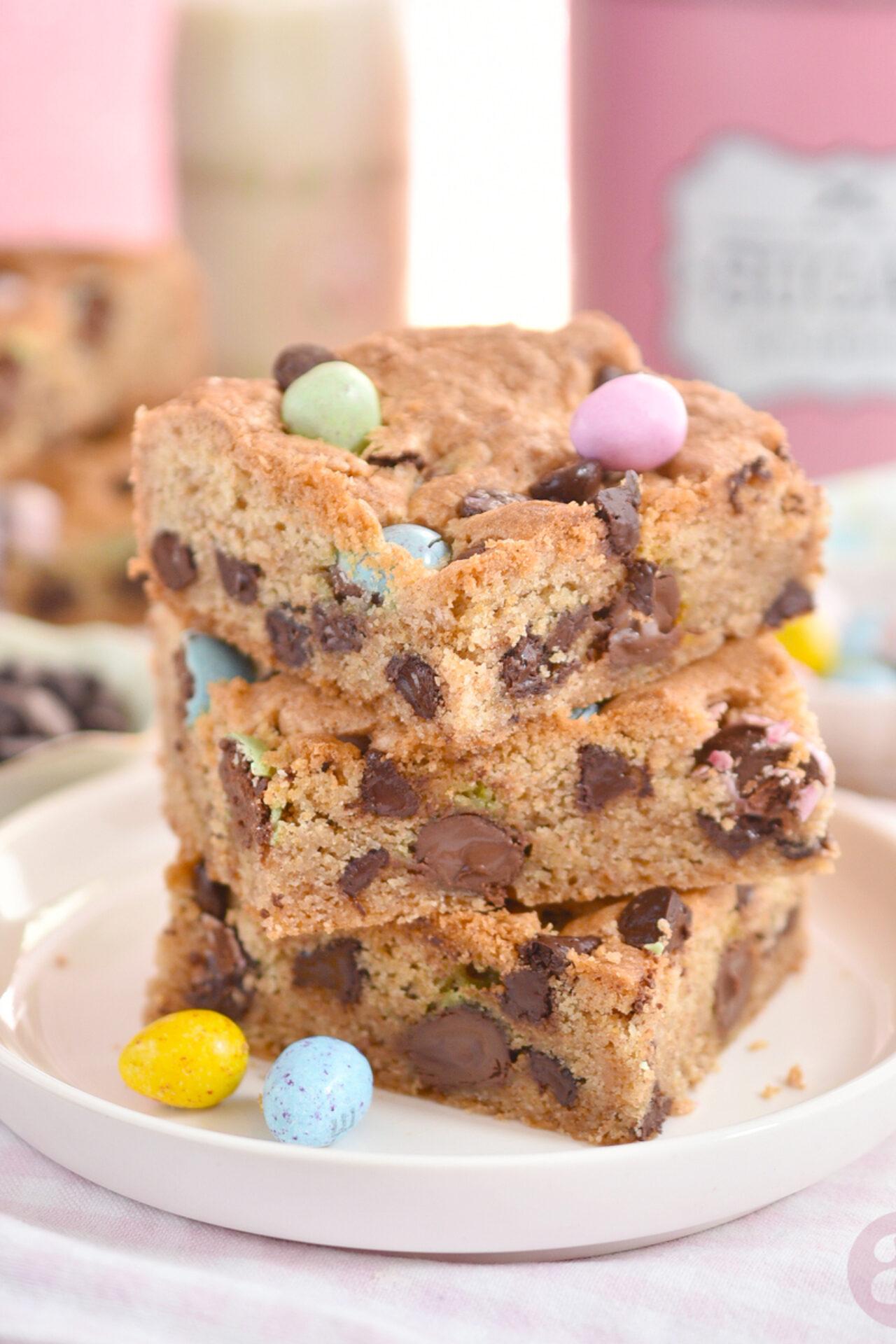 Barras de galletas con trocitos de chocolate y M&M's