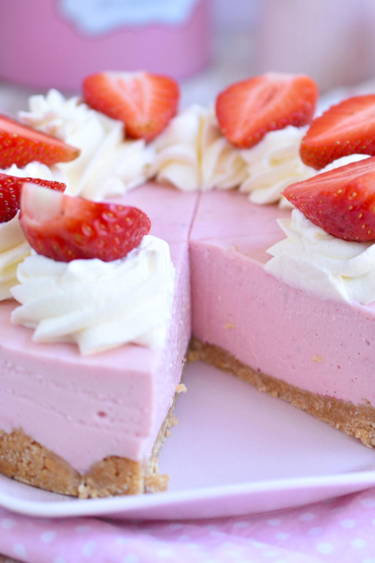 Receta fácil de cheesecake de fresas, sin horno