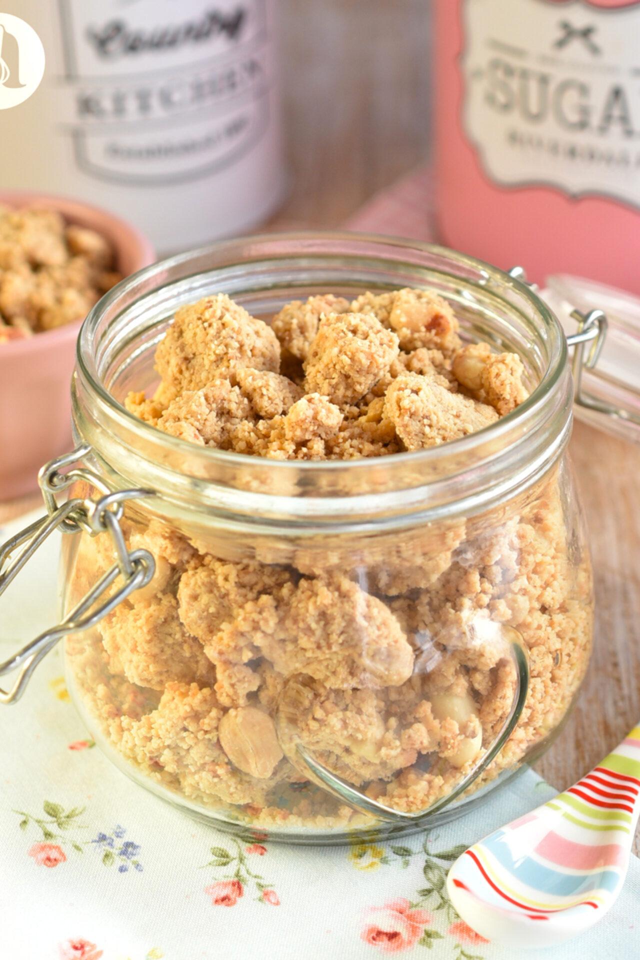 Granola tipo crumble de mantequilla de maní / cacahuetes (peanut butter)