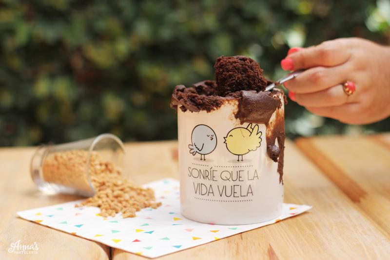 Receta rápida: mugcake de chocolate y mantequilla de maní www.annaspasteleria.com