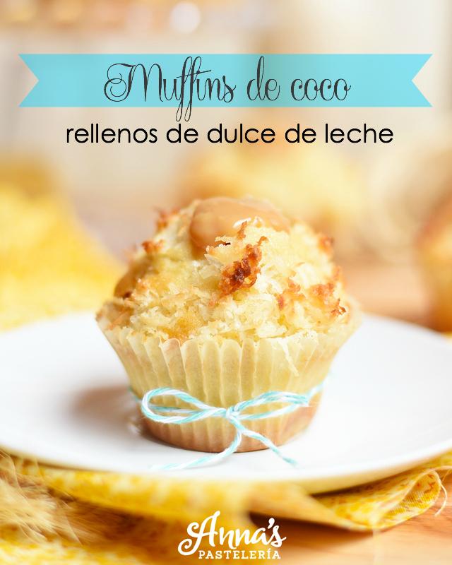 Muffins o ponquecitos de coco rellenos de dulce de leche, esta receta de Anaisa (de annas pasteleria) me encanta! - Coconut dulce de leche muffins from annaspasteleria.com