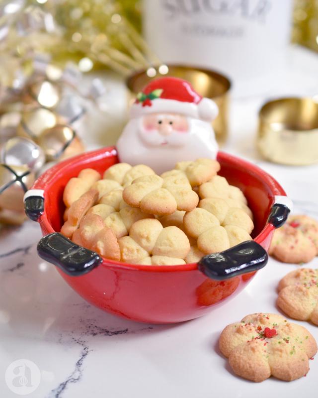 La mejor receta de galletitas de mantequilla o spritz cookies, deliciosas y súper fáciles!, del blog Annas Pasteleria de Anaisa Lopez - best spritz cookies recipe from annaspasteleria.com